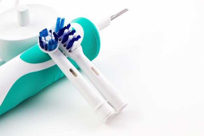 brosse a dent electrique avec deux tetes de rechange
